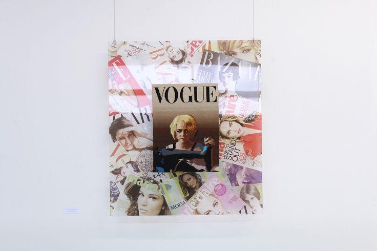 """""""Lo que habita en el closet"""" Fernanda Vergara C. Tapiz Tradicional, 50 colores aprox. 2014. Fotografía por Daniela Contreras."""
