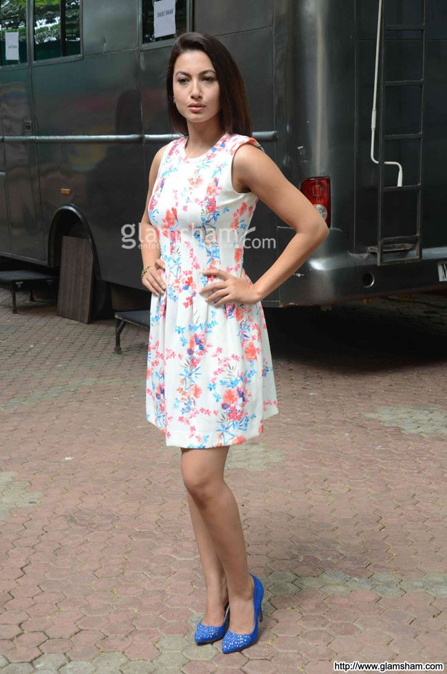 Gauhar Khan In Short Frock at Bollywood Beauties In Hot Short Frocks picture gallery picture # 31 : glamsham.com