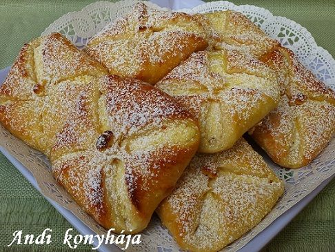 Túrós táska - Andi konyhája - Sütemény és ételreceptek képekkel
