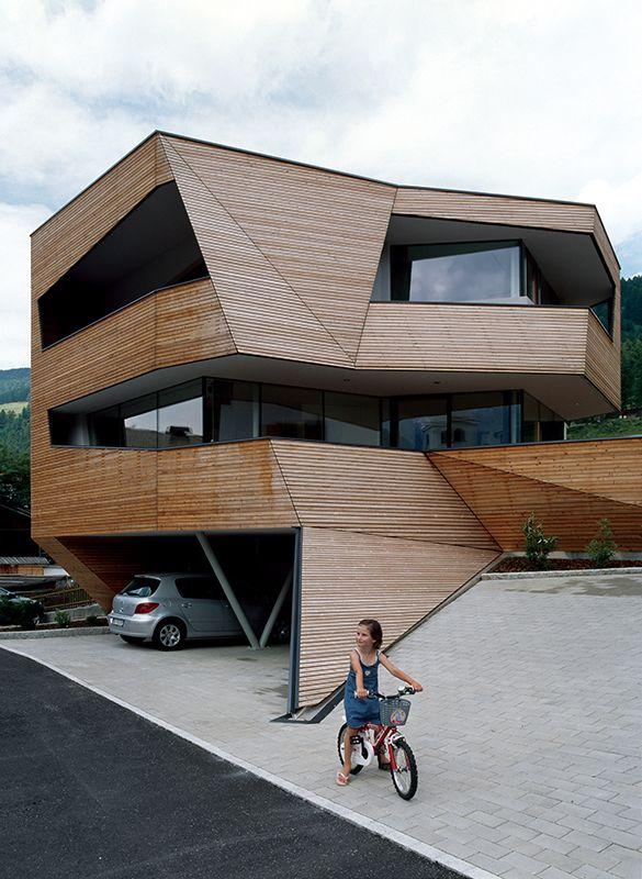 Сube #house #architecture.  South Tyrol, Italy Architect In Charge: Eva Castro, Holger Kehne, Ulla Hell. Этот  проект   был  сделан  специально  для   постройки  дома  в  очень  ограниченном  пространстве.