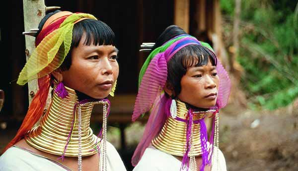 Tribe of the Long Neck People. The tradition of neck lengthening has to do with social status, since those rings are synonymous with wealth and social status.