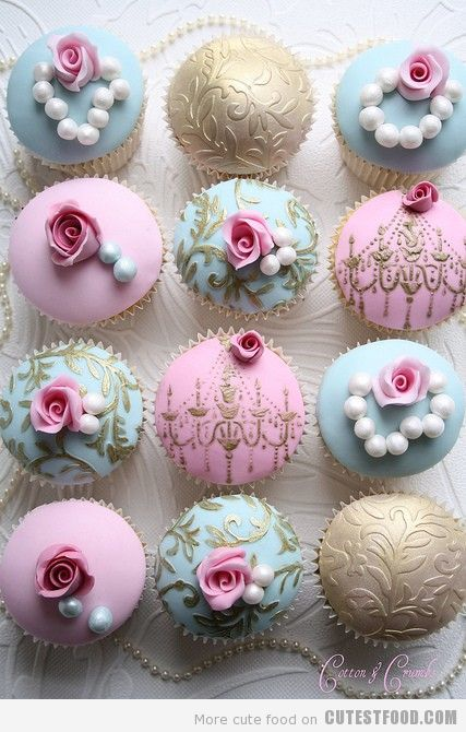 So pretty - can you really eat them?: Beautiful Cupcakes, Pretty Cupcakes, Shabby Chic, Wedding Cupcakes, Vintage Cupcakes, Bridal Shower, Mary Antoinette, Cups Cakes, Teas Parties