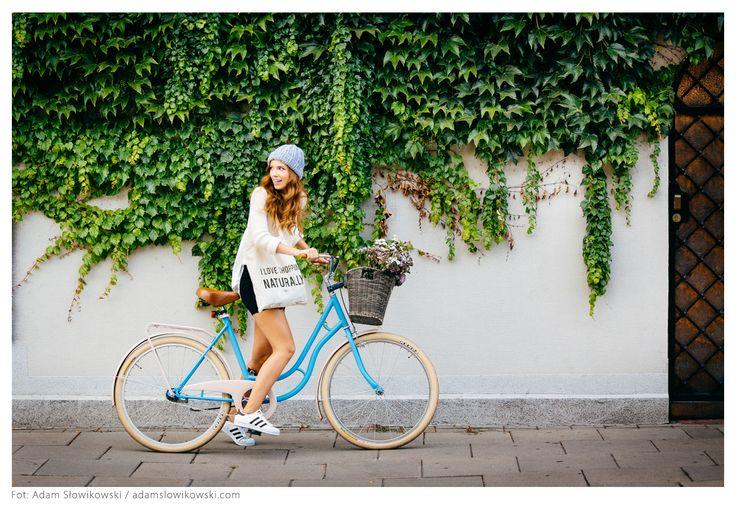 Slowfashion streetwear by BORBA #polishbrand #polskamarka #knitwear #tote #casual #style  phot. adamslowikowski.com hair&makeup: Magda Giszterowicz