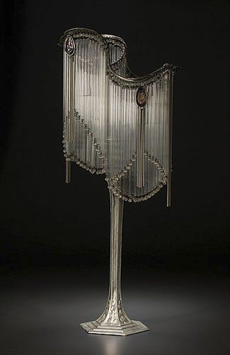 art nouveau. Hector Guimard-style Art Nouveau. Table Lamp. French. 20th century. Beautiful. Swanky. Light.