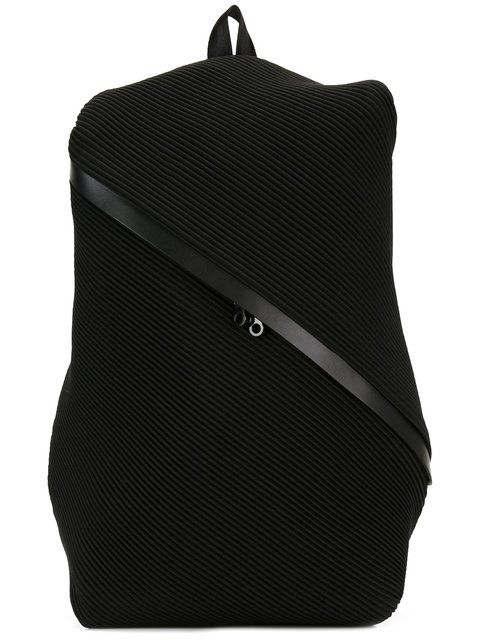 fda88f1fd9 Acquista Pleats Please By Issey Miyake pleated backpack.
