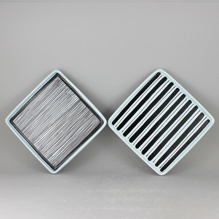 Stig Lindberg (1950s) Two Lovely Quadratic Faience Dishes