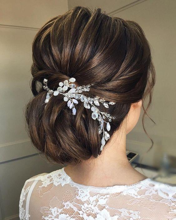Hochzeitsmode: Atemberaubende Brautkleider  – kurze frisuren