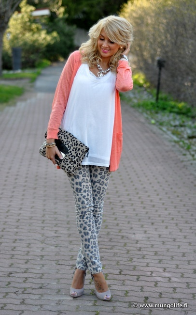 Leopard Pants and Brights.Outfit With White Cardigans, Fashion, Bright Cardigans, Leopards Pants, Leopard Pants, Leopards Prints, Cute Outfit, Leopards Cardigans Outfit, White Tops