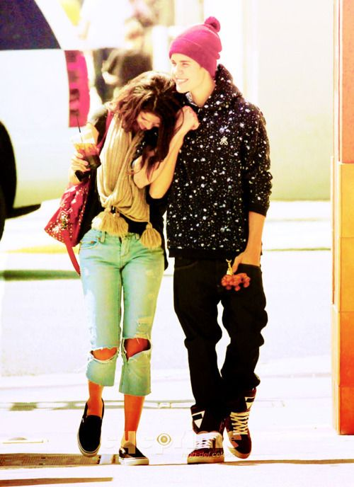 Justin and Selena ❤ so cute!!