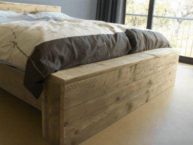Steigerhouten bed tweepersoons
