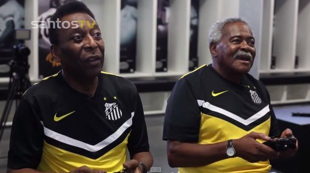 Ambas leyendas del futbol brasileño  se juntaron para jugar un partido de fútbol , pero en el Fifa 15.