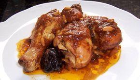Pollo Horneado con Piñones y Ciruelas Pasas Autor: Raquel Moryoussef De Fhima Edición: RecetasJudias.com Ingredientes 1 pollo sin piel picado en 8 pe