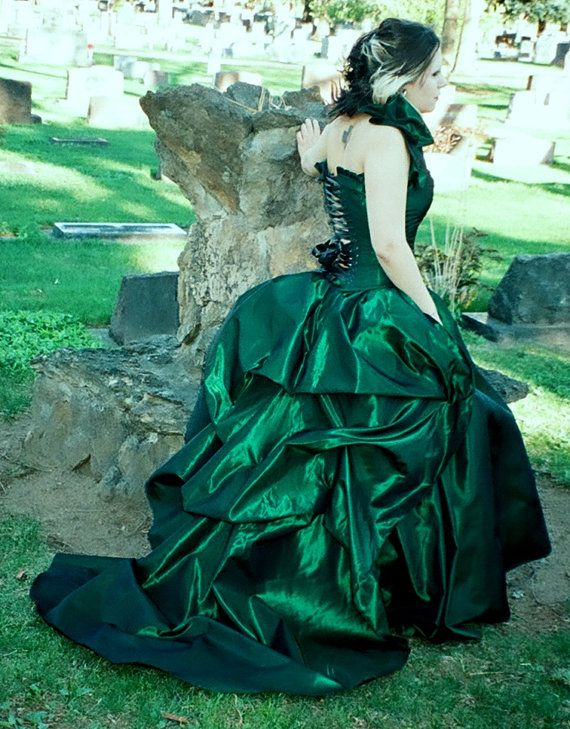 Hey, I found this really awesome Etsy listing at http://www.etsy.com/listing/90850200/the-secret-boutique-bustle-skirt