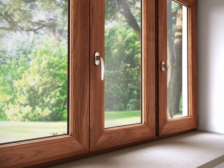 TRIAL - FINESTRE IN ALLUMINIO LEGNO Struttura portante in robusto alluminio e prestigioso legno massello per il profilo interno. Blocco in poliammide interno per prestazioni termiche potenziate.  DESIGN PERSONALIZZABILE E DI PRESTIGIO Solo le essenze più ricercate in legno massello trovano posto sui profili interni delle finestre Trial. Curate in ogni minimo dettaglio, le finestre in alluminio – legno Trial sono disponibili con il profilo anta stondato, per ambienti d'atmosfera, o squadrato…
