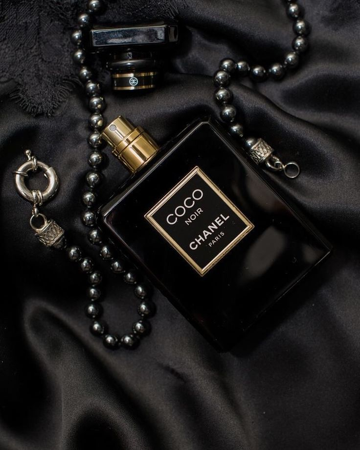 Perfume, pearls and lace by Evelyn Rampola Photography  Coco Chanel Noir, #blackLace #BlackPearls #evelynrampolaphotography