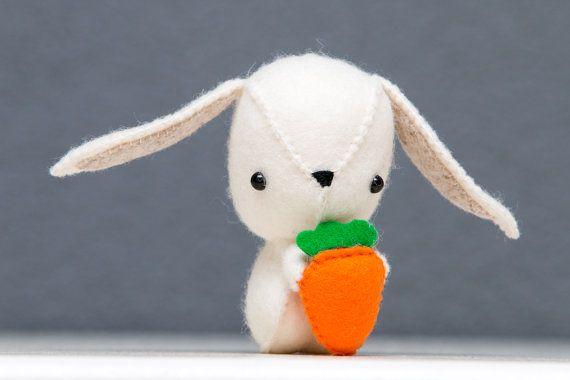 Schattig vilten konijntje pasen decoratie door PuppetsandHugs