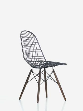 the dkw wire chair is a variation on the iconic onepiece seat shell chairs designed by charles and ray eames in the