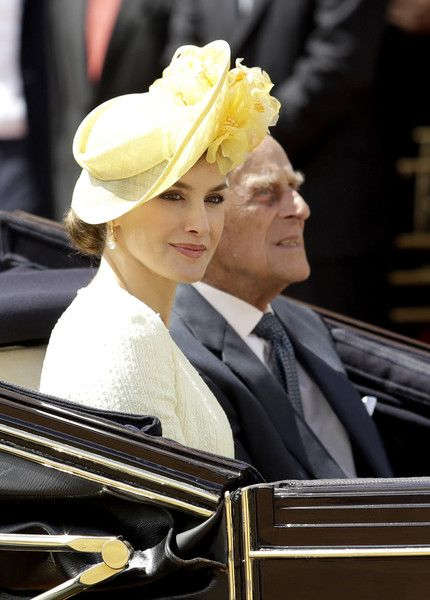 Queen Letizia of Spain Photos Photos - Queen Letizia of Spain (L) and Prince Philip, Duke of Edinburgh leave in a state carriage following a welcome ceremony at Horse Guards Parade on July 12, 2017 in London, England.  This is the first state visit by the current King Felipe and Queen Letizia, the last being in 1986 with King Juan Carlos and Queen Sofia. - State Visit Of The King And Queen Of Spain - Day 1