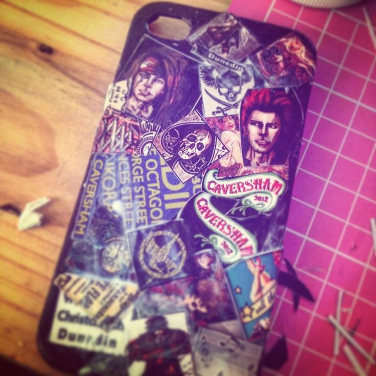 While avoiding book rewrites this is what I get up to #diy #crafting #phonecase #steampunk #anime #hungergames #caversham9012 #9012 #nerd #fenixfiredesigns #newzealand #modpodge #decoupage #catharticnightmare