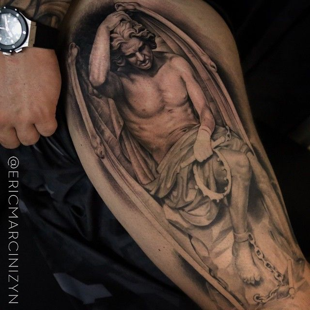 One more quick one to finish up @property_shark thigh... #youshouldseehisback  #ericmarcinizyn #hublot