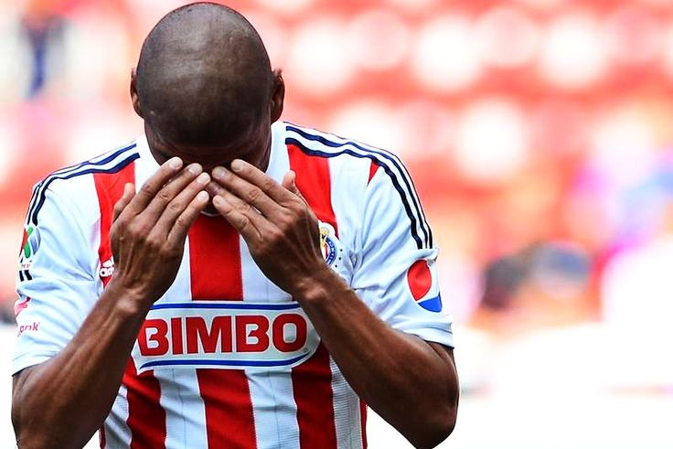 CARLOS SALCIDO, FUERA TRES SEMANAS POR DESGARRO || El zaguero de las Chivas sufrió una lesión en la pierna izquierda durante el partido de Copa Mx contra Xolos de Tijuana.