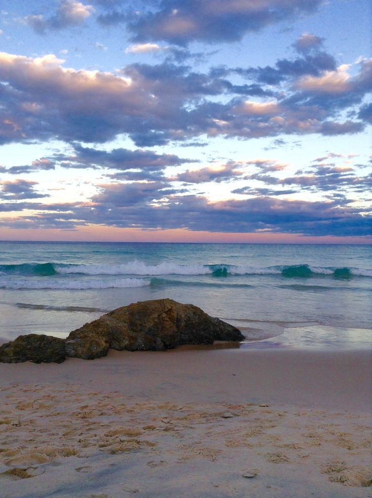 Beautiful Currumbin waiting to see the super moon, I JUST LOVE LIVING ON THE GOLD COAST