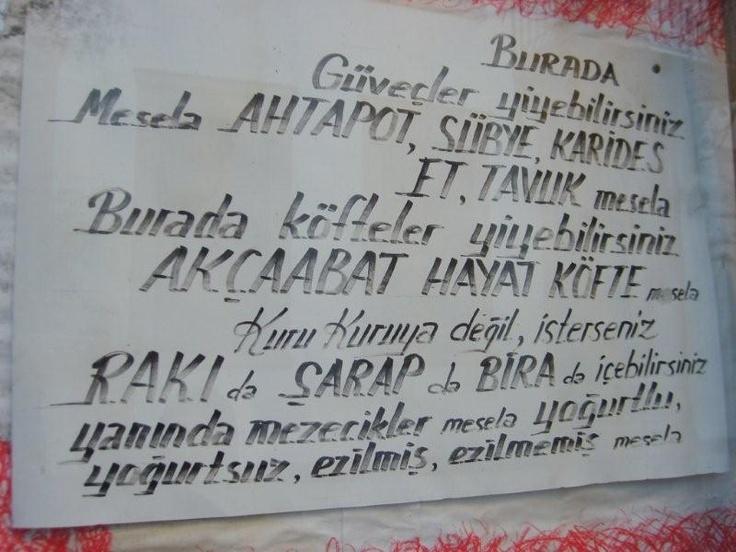 Ada Restaurantta balık yiyip rakı içmeden... Daha fazla bilgi ve fotoğraf için; http://www.geziyorum.net/cunda-gezisi-bolum-3/