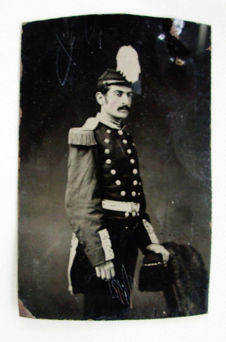 ANTIQUE TINTYPE PHOTO PORTRAIT MAN WEARING A UNIFORM & HAT SOLDIER ? OFFICER ?   eBay