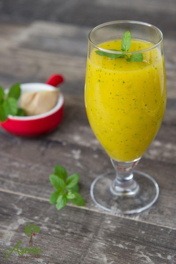 Smoothie cu mango, menta si ghimbir este un smoothie cremos, o combinatie gustoasa, perfect pentru dimineti frumoase :)