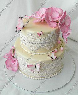 Торт свадебный с розовыми орхидеями.