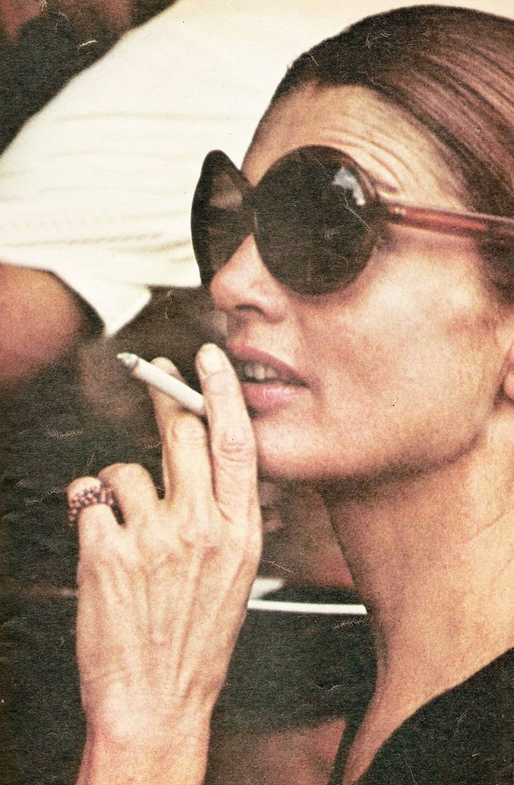 Jacqueline Kennedy Onassis was a 3 pack a day smoker, but when she was diagnosed with non-Hodgkins lymphoma, her daughter, Caroline, insisted that she stop.