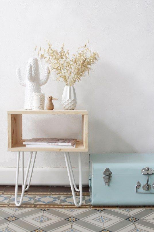 Table d'appoint Chevet DIY Retro avec Pieds Hairpin Blancs Ripaton // Hëllø Blogzine blog deco & lifestyle www.hello-hello.fr