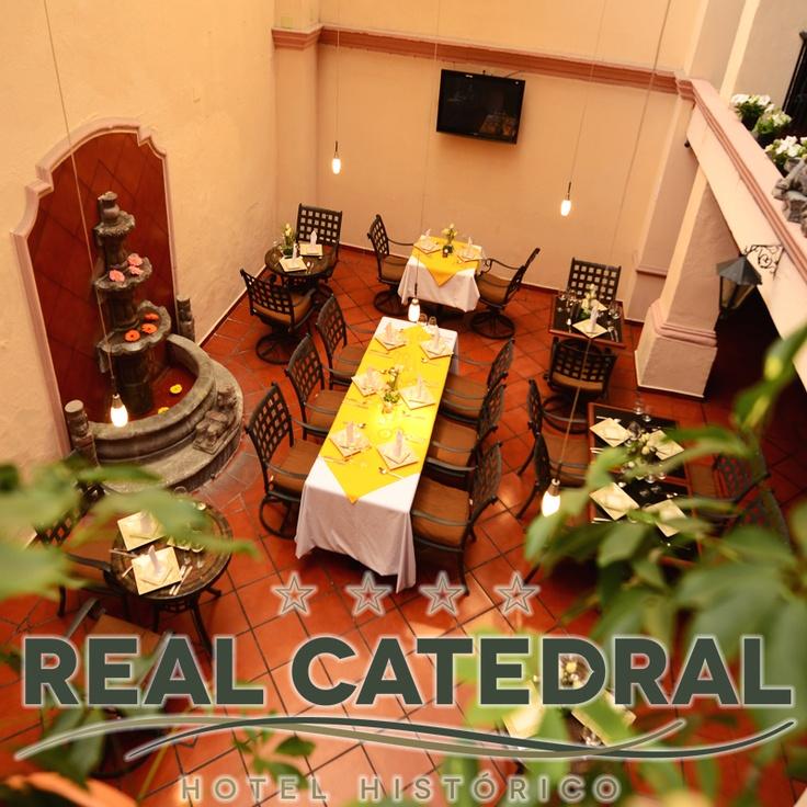 Excelente  restaurante Cafedral, donde usted podrá degustar de platos  típicos de la cocina mexicana hecha con recetas  familiares.
