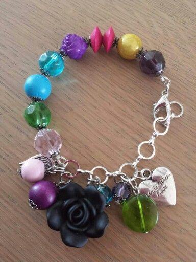 Handmade bracelet www.hairandbeautysalonjolien.com