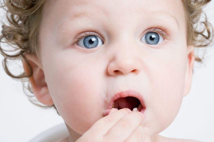 Manchas rojas en la boca y mal aliento en los niños pequeños | Muy Fitness