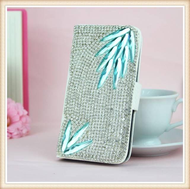 Diamond Crystal Bling! Wallet case voor je telefoon.  Bestel deze Bling wallet case bij www.divaa.nl Voor de modellen: Appple Iphone 5c, Apple Iphone 5/5S, Apple Iphone 4/4S, Samsung Galaxy S4, S4 mini, Samsung Galaxy S3, S3 mini, Samsunng Galaxy Note 3