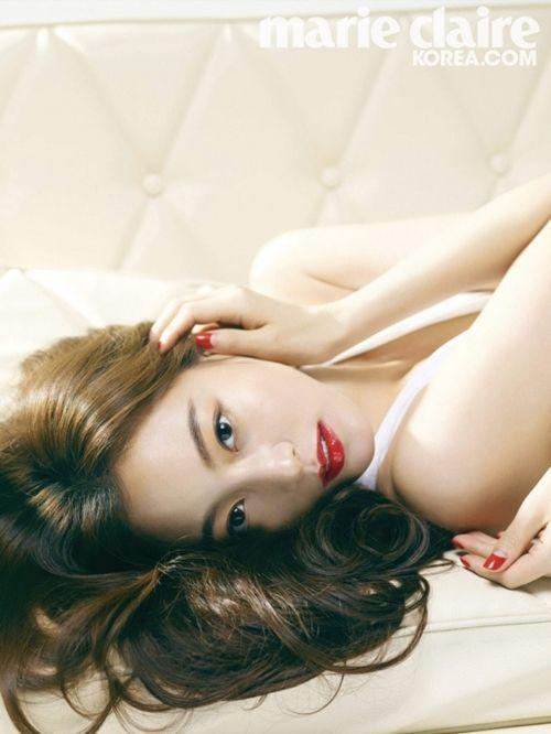 Actress Han Ye Seul Displays Her Goddess-Like Beauty in Pictorial | Soompi