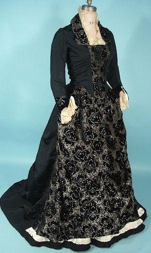 c. 1880's Silk & Black Cut Velvet 2-piece Trained Gown with Handmade Ivory Lace Trim :: Antique Dress