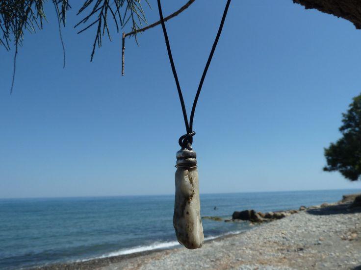 Handmade men necklace,seawater pebble pendant,leather necklace,unisex pendant by accessoriesformen on Etsy