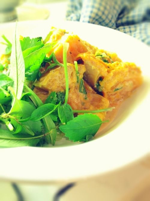 My simple Lao style pumpkin dish. I cooked butternut pumpkin in coconut milk.  It was seasoned with dry aromatics that I ground myself - a mixture of lime leaf, coriander leaves, lemon grass, pink peppercorns, ginger and garlicn.