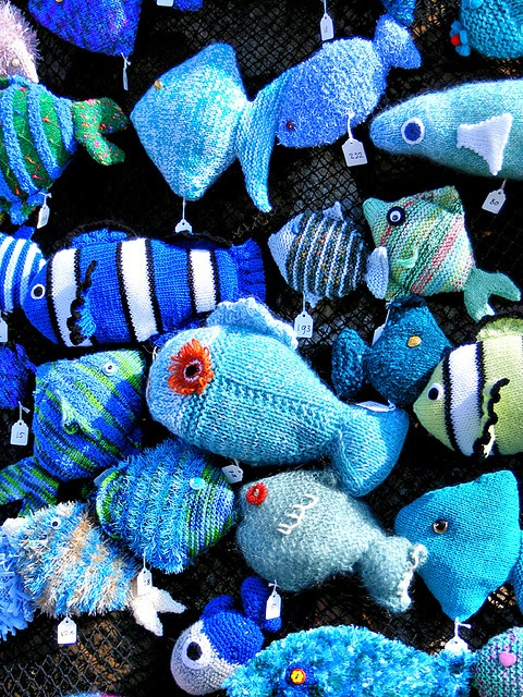 Knitted Fish Patterns : 1000+ images about KNIT fish on Pinterest Toys, Ravelry and Goldfish
