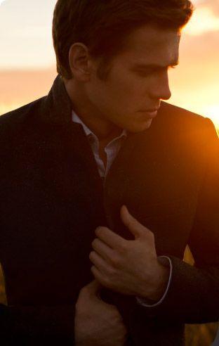Voir la vidéo Hayden Christensen pour RW&CO.I KNOW HES BEAUTIFUL :)