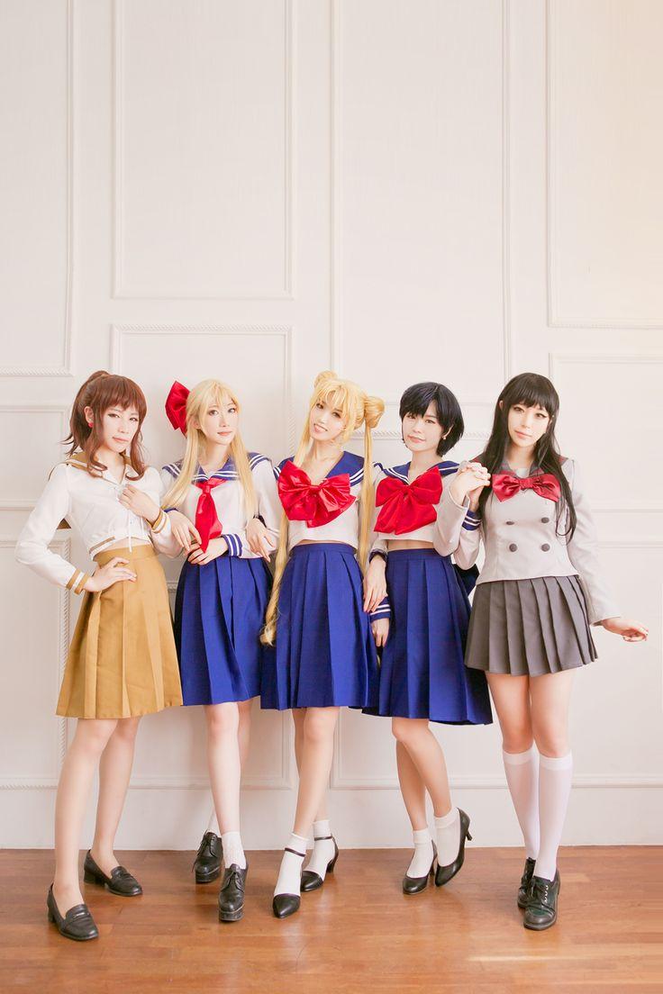 Kino Makoto, Aino Minako, Tsukino Usagi, Mizuno Ami & Hino Rei - Sailor Moon cosplay