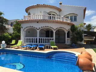 LARGE INDIVIDUAL VILLA WITH PRIVATE POOL