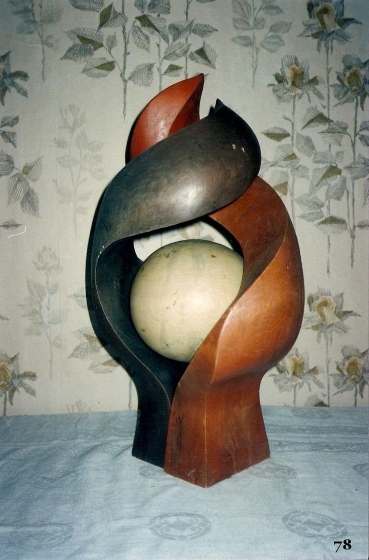 Hand-carved. Work by Boris Kopilevich. (f.Boris Kopilevich / decorative Arts )