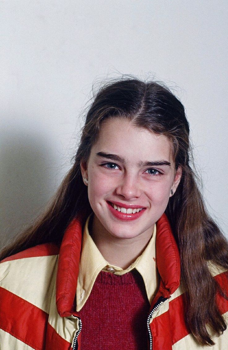 Brooke Shields in a photo by Robert R. McElroy, when she was 13 and already a successful child model. New York City (USA), 1978.