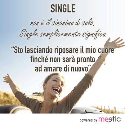 """#single non è il sinonimo di solo. Single significa semplicemente """"sto lasciando riposare il mio cuore finchè non sarà pronto ad amare di nuovo!"""" #solitudine #amore #incontri"""