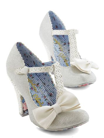 the shoes are so adorable!  http://rstyle.me/n/t7muspdpe