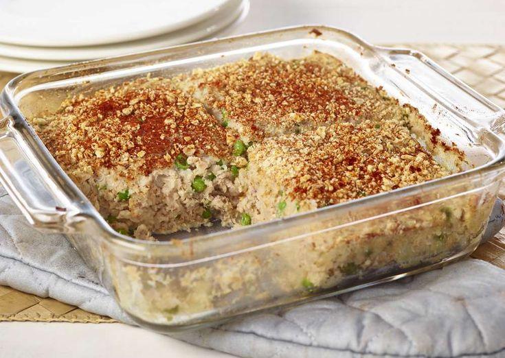 Une recette classique de pâté au saumon, mais sans croûte! Se prépare en 30 minutes seulement et se congèle. Bon appétit!