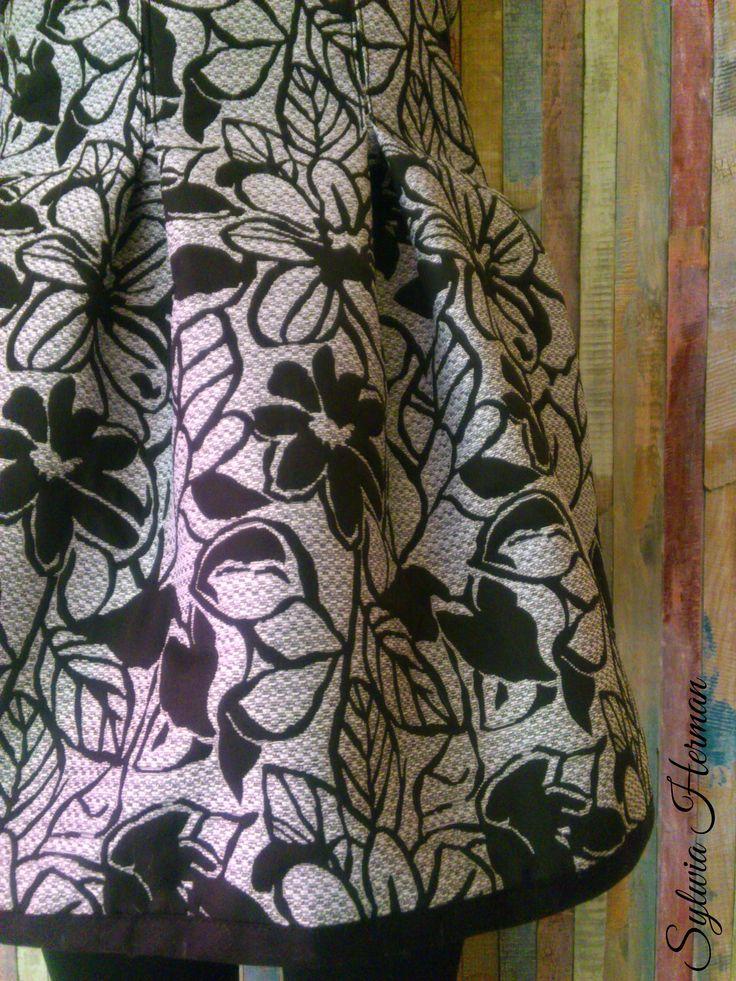 A dress I made for my daughter https://www.facebook.com/274667396052081/photos/ms.c.eJw1ycERACAIA8GOHIMESf~_Nqaj32zlCNBCufmq8Jhi78RzpKSm~;Z9R3e06VTQt~;6BAZ.bps.a.519521494900002.1073741872.274667396052081/519521514900000/?type=3&theater